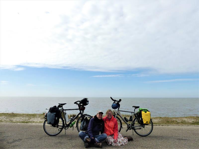Geart en Ydwine fietsen door Europa